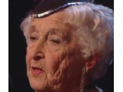 "Paddy Jones, nonnina anni balla salsa ""Britain talent"" (video)"