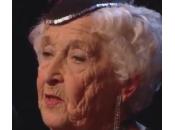 """Paddy Jones, nonnina anni balla salsa """"Britain talent"""" (video)"""