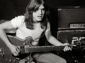 AC/DC Comunicato ufficiale Malcolm Young temporaneamente lascia band