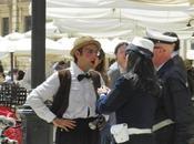 """Siracusa: clown """"cacciato"""" piazza Duomo vigili, centinaia cittadini indignati gesto"""