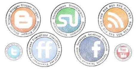 32 icone social network con effetto timbro