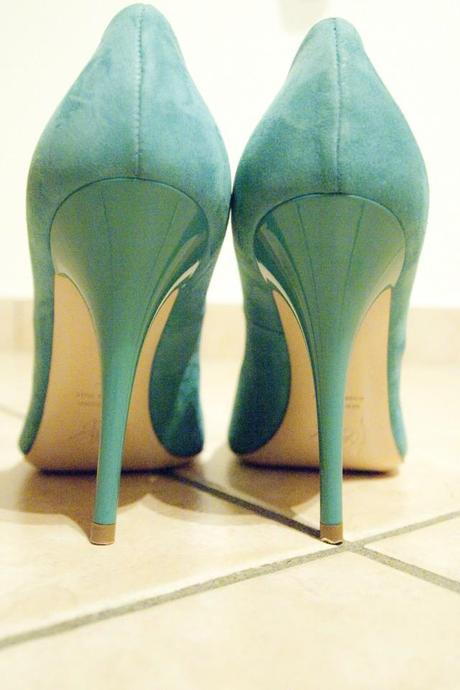 ShoeRoom #22 Turquoise Icone Pumps