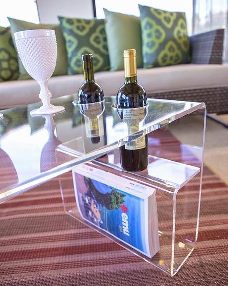 Casper il tavolino in plexiglass che ama il vino paperblog - Tavolino plexiglass ...