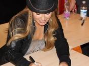 Anastacia incontra fans alla Feltrinelli Milano: Dave Damnimmen foto)