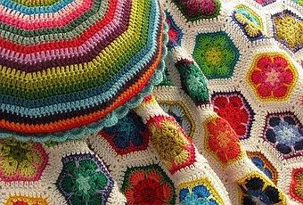 African flower ad uncinetto i 1000 usi paperblog - Piastrelle esagonali uncinetto ...