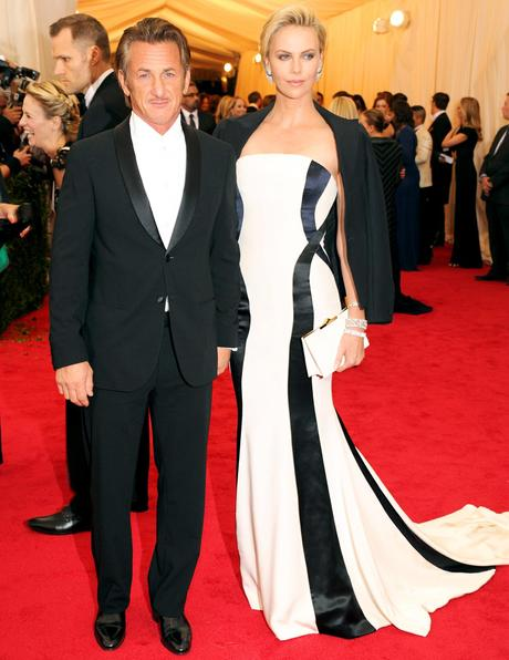 1399342487_488339309_sean-penn-charlize-theron-zoom