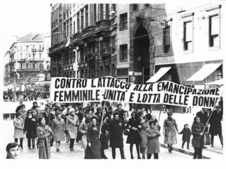 manifestazione a favore dell'emancipazione della donna