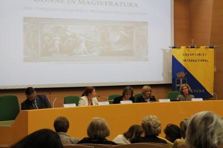 I relatori, da sinistra: Giovanni Rossi, Cecilia Pedrazza Gorlero, Anna Maria Isastia, Carla Marina Lendaro e Donata Gottardi