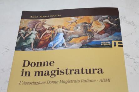 Copertina del libro di Anna Maria Isastia