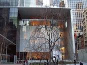 Visitando MoMA elefanti, manichini nudi rottami incastrati sopravvivere oltre ruggine.