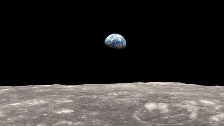 La Terra vista dalla Luna by NASA LRO