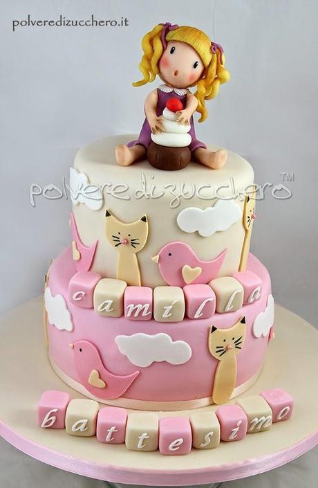 Torta decorata battesimo a due piani per una bimba cake for Una storia di casa piani di log