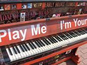 Play yours pianoforti nelle strade Parigi