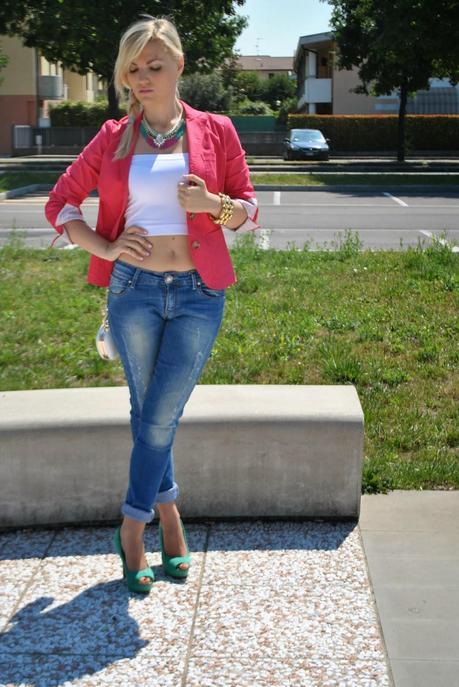 A skinny jeans and a fucsia blazer - Paperblog