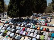 """giugno inizia """"Ramadan"""", apre dibattito sull'uso social network"""