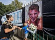 Ciro Esposito: tifoserie compatte l'ultimo saluto