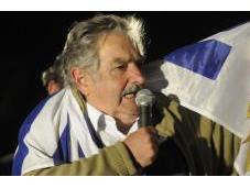 """Video, premier Mujica Suarez: Fifa banda figli p……"""""""