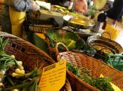 Italia, crisi tavola meno carne prodotti qualità. Calo anche vestiti