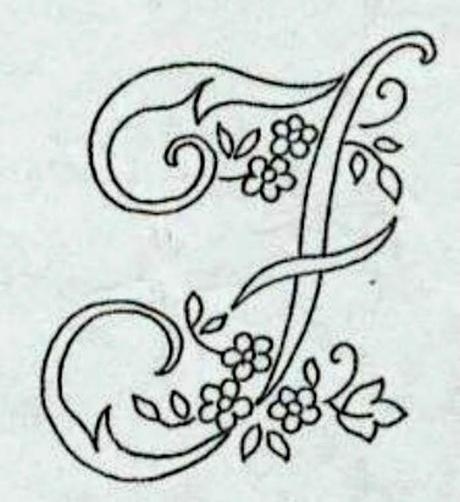 Alfabeto da ricamare con ricamo classico paperblog for Ricamo punto croce alfabeto