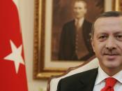 Turchia, decine poliziotti finiscono manette. Sono accusati spiare Erdogan