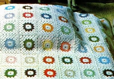 Lavori Con Luncinetto Coperta Con Quadrati Colorati Paperblog