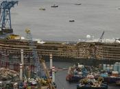 Costa Concordia sempre vicina Genova. All'alba domani l'arrivo