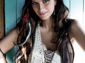 Laura Pausini nuda palco: l'ho come tutte»
