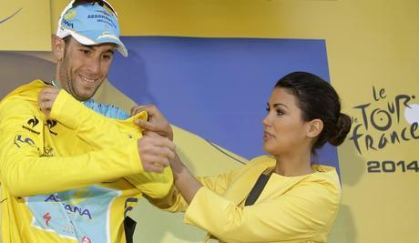 Lo Squalo si rimette la maglia gialla, che era stata momentaneamente ceduta a Tony Gallopin. Ap