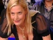 Simona Ventura zappare terra Life