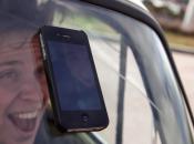 """giovani europei scatta """"selfie"""" pubblica social network… mentre guida"""