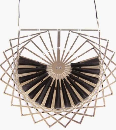 Immagini antiche e patterns geometrici nei gioielli for Disegni di bungalow contemporanei