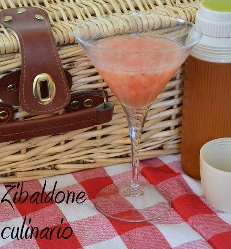 Bellini cocktail homemade per un pranzo di Ferragosto speciale