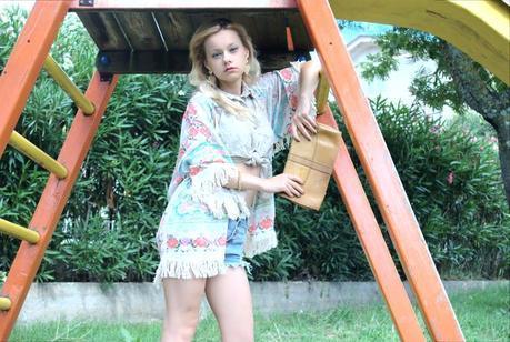 Romwe cardigan Oasap denim shorts petite models petite fashion blogger Teresa Morone