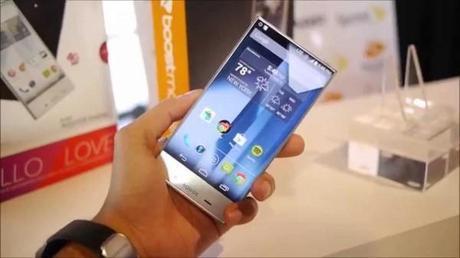 sharp aquos crystal primi video hands on e versus android blog italia 600x337 Sharp AQUOS Crystal: primi video hands on e versus smartphone  Sharp AQUOS Crystal Sharp