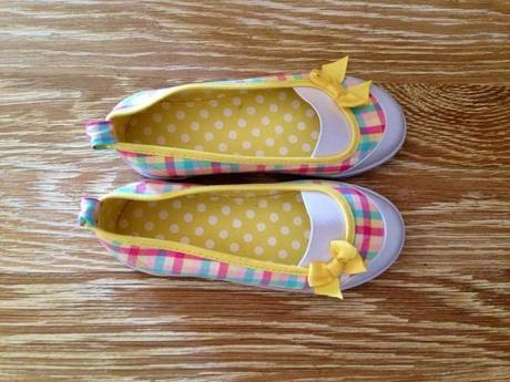outfit-ballerine-bimba-hm-giallo