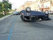 Cirò Marina, spettacolare incidente stradale