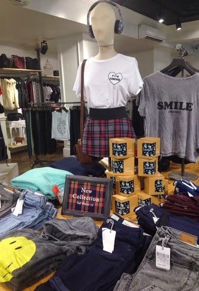 Subdued new look per i negozi di milano e roma paperblog for Negozi di arredamento milano