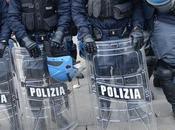 """Blocco stipendi, forze dell'ordine allo sciopero. Renzi: riceverò, accetto ricatti"""""""