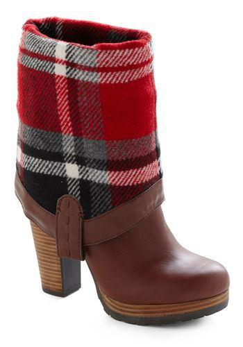 Modcloth -stivaletti risvoltati in plaid... superb!