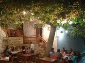 Adorabile Apiranthos, adorabile Taverna Platanos.