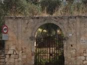 Luna Sole, Sassari valore simbolico portale.