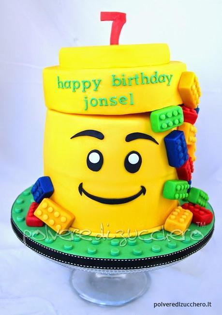 Assez Torta decorata in pasta di zucchero: Lego Cake - Paperblog UA49