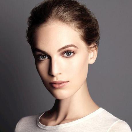 chanel-fall2014-makeup-nude