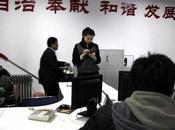 """Cina: torna ufficio l'impiegato """"arrogante"""" mondo"""