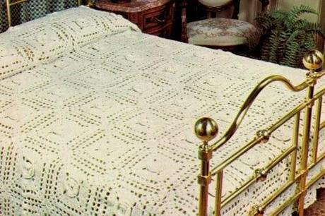 Lavori con l 39 uncinetto coperta di lana con rose paperblog for Creare un piano di coperta