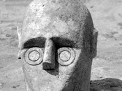 nuovi scavi Monte Prama. giganti nuragici osservano archeologi lavoro, Pierluigi Montalbano