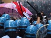 Bologna guerriglia urbana bombe carta cariche