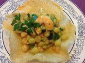 Chicche patate gamberi zucchine cialda parmigiano