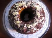 Ciambella marmorizzata glassa doppio cioccolato scaglie mandorle Bundt Marble Cake with double chocolate almond slice