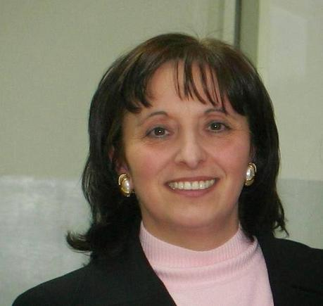 L'autrice Maria Bruno - nato-in-paradiso-un-giallo-deduttivo-targato--L-_x6at2
